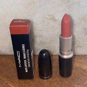 MAC Matte Lipstick in Down To An Art